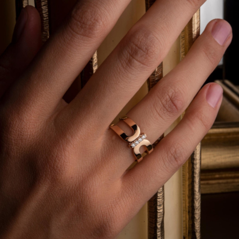 Bague So Shocking Origine en or rose et diamants